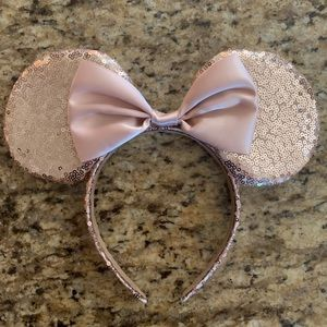 WLFY Mickey Mouse Minnie Mouse Sequin Ears